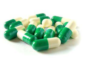 24-10-15: El exceso de vitamina K sintética (menadiona) puede producir anemia hemolítica e ictericia. http://consejonutricion.com