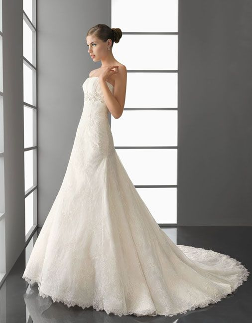 Strapless princess A-line lace bridal gown: Too much? no lace?
