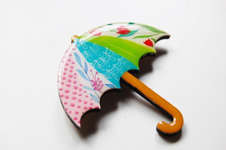 Brosa Dreamy Umbrella (30 LEI la Mimeme.breslo.ro)
