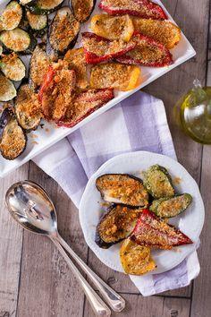Gustose, croccanti, allegre e colorate... le #verdure #gratinate al #forno sono un contorno versatile e leggero, ideale per rendere un pasto completo ed equilibrato! ( #vegetables au #gratin ) #Giallozafferano #recipe #ricetta #oven #pepper #eggplant #zucchini