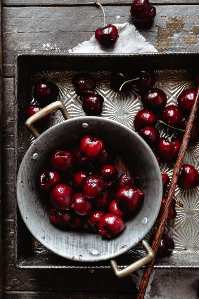 The ideal dessert for Spring and Summer: cherry galette with cardamom pie crust (mom's trusted recipe). cherry galette /…