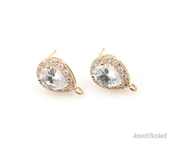 Teardrop Cubic Earrings in Gold with 12 Sub-Cubic Zirconia
