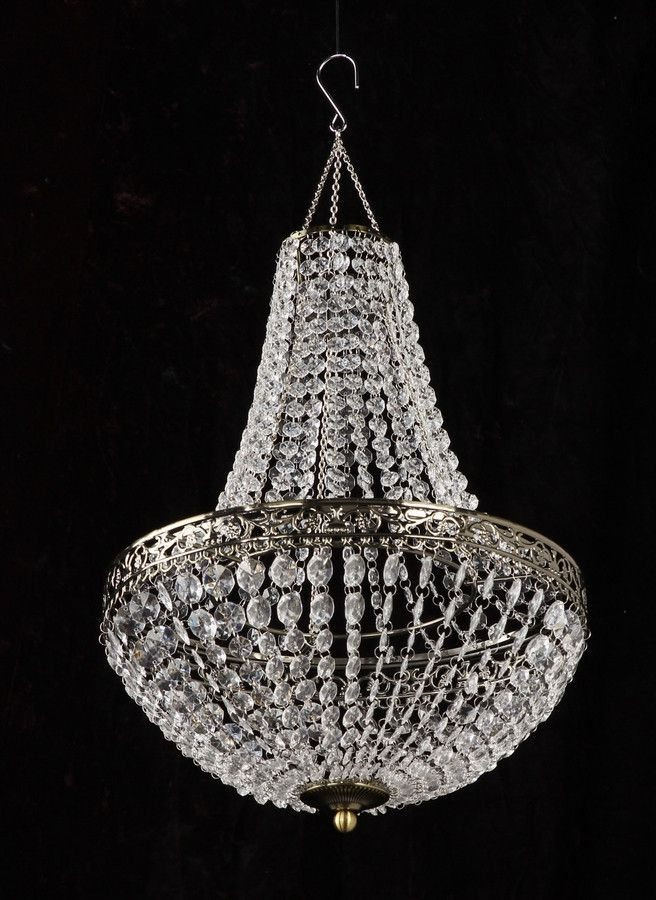 717 best chandeliers images on pinterest chandeliers for Beaded chandelier lamp shades
