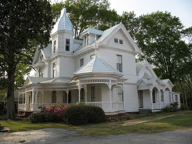 Sigh.. Since childhood, I have dreamed of a big white Victorian with a wrap around porch, located in a small town.