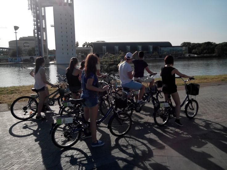 Bike rental and guided tours in Seville. Río Guadalquivir.