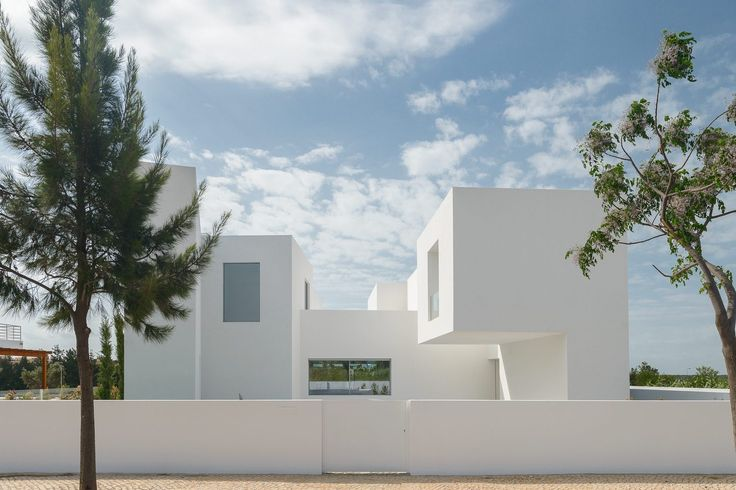 Gallery of Between Two White Walls / Corpo Atelier - 5