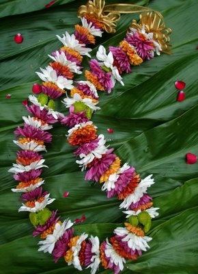 Modern Hindu Garlands Flowers Pinterest Garland Wedding And