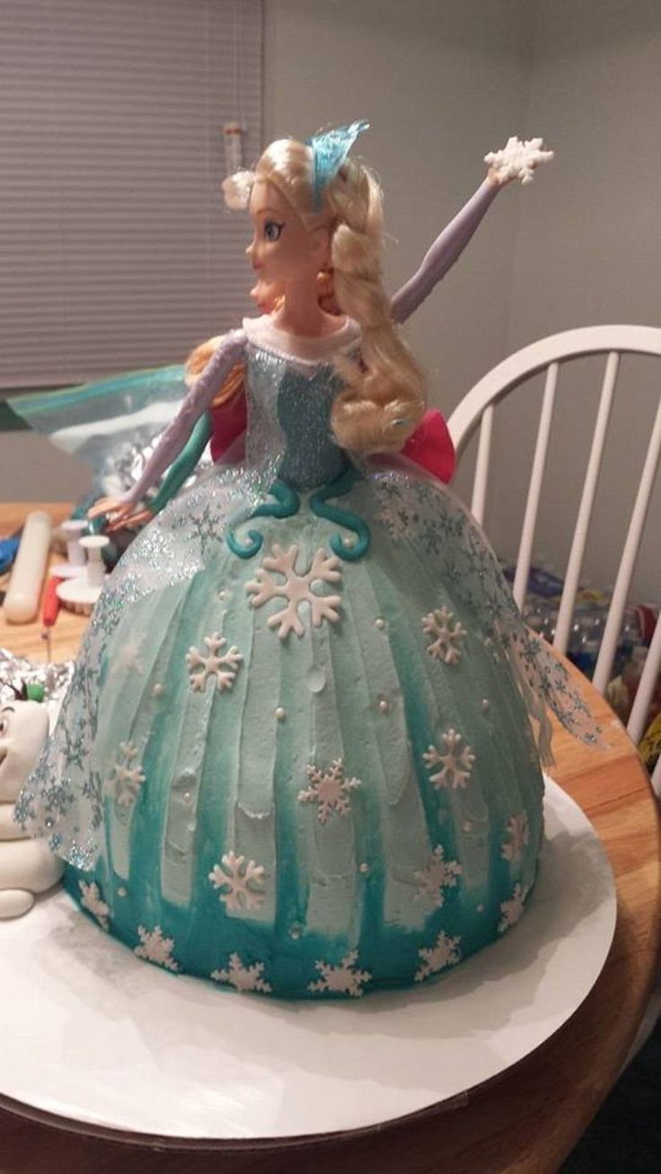 Frozen Barbie Cake Design : 1000+ ideas about Frozen Doll Cake on Pinterest Frozen ...