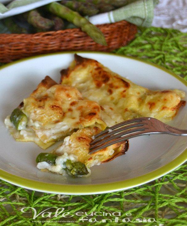 Crepes agli asparagi ricetta facile e veloce un piatto gustoso con tutto il sapore delicato degli asparagi,con formaggio filante e tanta besciamella