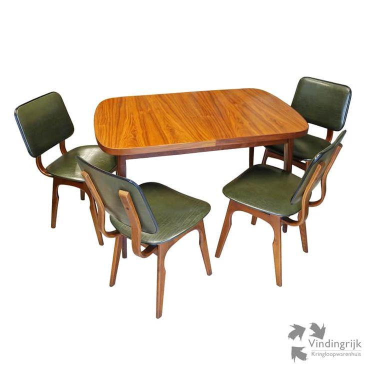 Afbeeldingsresultaat voor diverse retro stoelen aan de eettafel