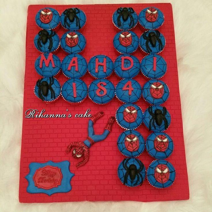 Spiderman cupcakes for super cute Mahdi  . Happy birthday...  . #Cupcake #cupcakes #vanillacupcake #fondantcupcake #spiderman#spidermancupcakes#birthdaycupcakes#cake #4thbirthday##spidermanbirthday#کیکبوکسینگ #فوندانت_کیک# کیک#cakes