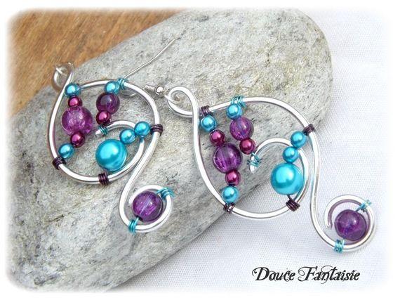 Boucles d'oreilles en fil aluminium argenté turquoise violet : Boucles d'oreille par douce-fantaisie sur ALittleMarket.