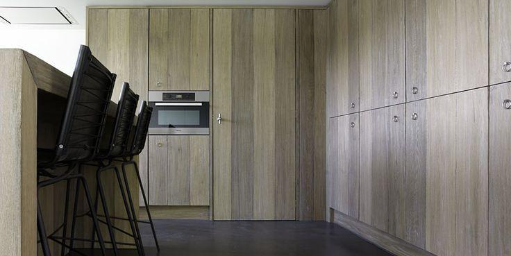Landelijke keuken stoer robuust landelijk wonen ruime keuken natuurlijk natuursteen - Heel mooi ingerichte keuken ...