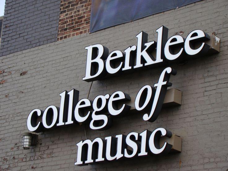 Berklee College of Music ofrece cursos gratuitos sobre industria musical y teoría musical