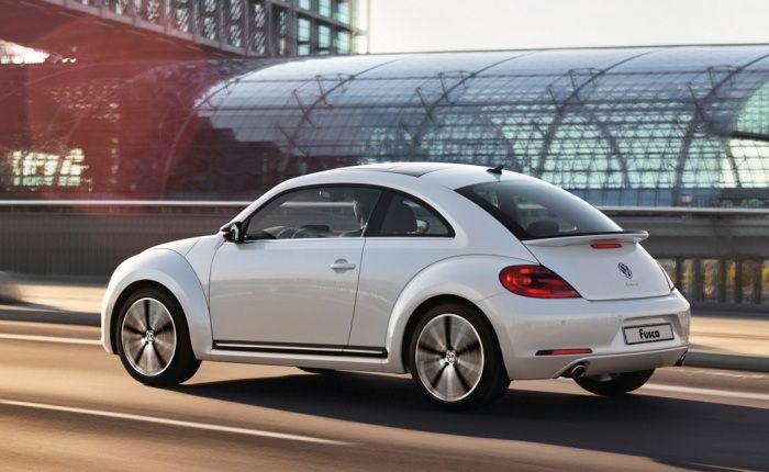 O preço elevado se dá pelo conjunto mecânico refinado do novo Fusca, que irá concorrer no Brasil com Mini Cooper S, Audi A1 Sport e Citroën DS3. E podia ser mais caro: por ser produzido no México, o carro não recolhe impostos de importação