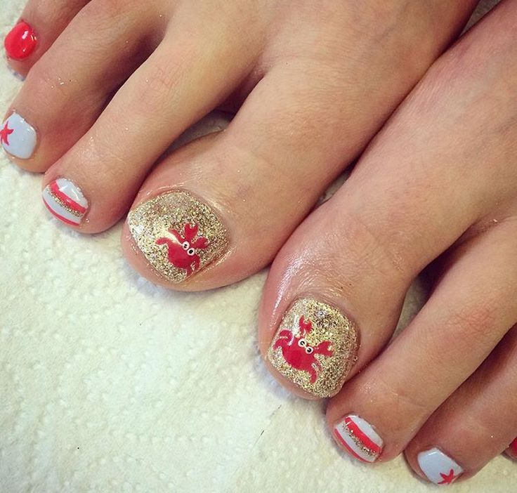 Summer holiday nails crabs sand glitter stripes starfish beach coral blue gold