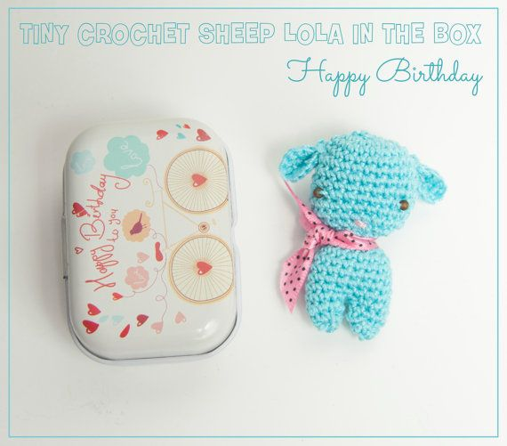 Crochet mini sheep Lola, crochet sheep, little tin box, birthday box, crochet amigurumi, handmade crochet gift, crochet sheep, mini sheep