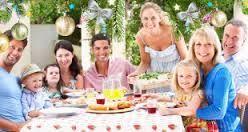 familias cenando juntas en navidad