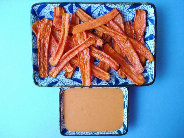 Carrot Chips with Yogurt Dip. Chewy, sweet, and so yummy!