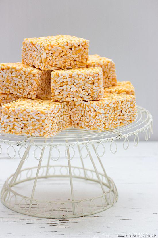 Batoniki ryżowe z krówkami i marshmallowsami