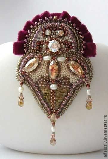 Beautiful brooches by Krisitina Adams Click on link to see more - http://beadsmagic.com/?p=5006