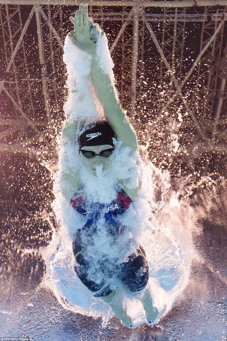 USA's Katie Ledecky competes to break the World Record in the Women's 400m Freestyle Final during Rio 2016 Olympic Games