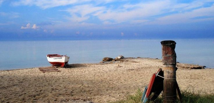 #Nikiti is located 90 km from #Thessaloniki. A combination of sea and #mountain  #Sithonia #Halkidiki #Greece