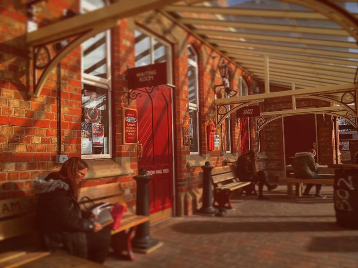 Waiting ..... #irlam #salford #manchester #irlamstation #irlamstationhouse #1923cafe #igersmcr #northern #networkrail