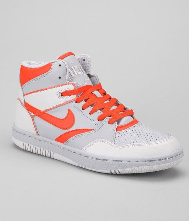 NIKE HIGHTOPS WHITH ORANGE SYMBOLS AND ORANGE LACES