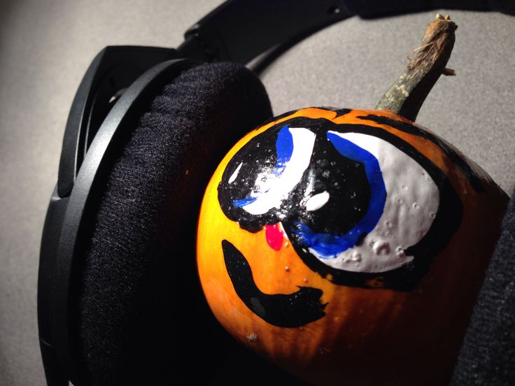 Fun office pumpkin pictures - time to party