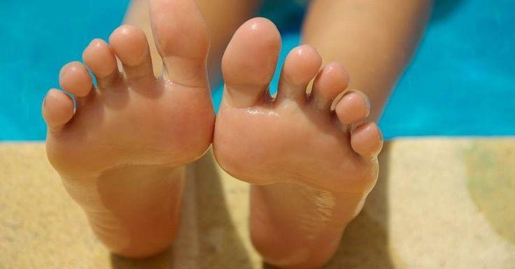 Te mostramos algunas recetas caseras para hidratar en profundidad tus pies y tratar los talones agrietados.