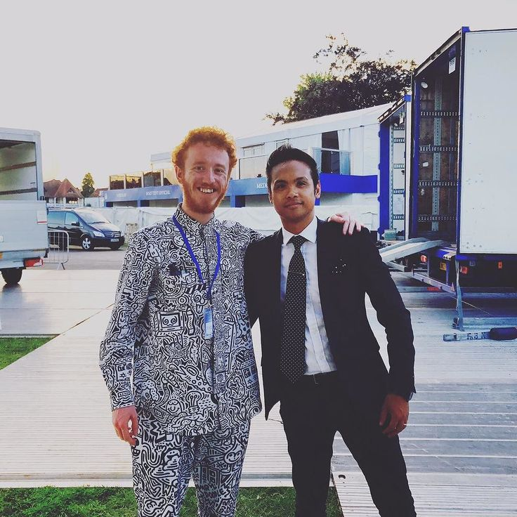 Eight Ray Music Director JJ with the incredibly talented Mr Doodle at Henley Festival! #SoundsPurple