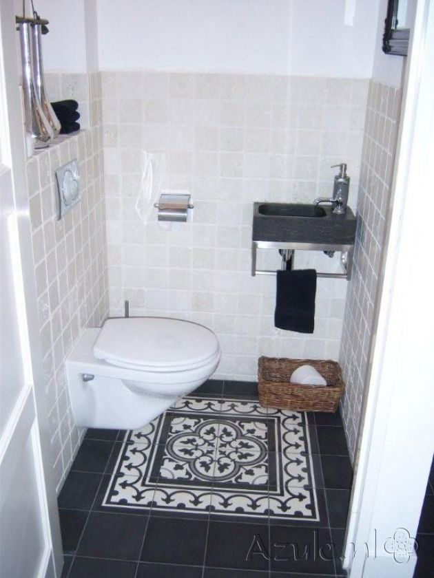 Cementtiles Toilet - Gris 05 - Border 01 + Corner - Egal Negra S800 - Project van Designtegels.nl