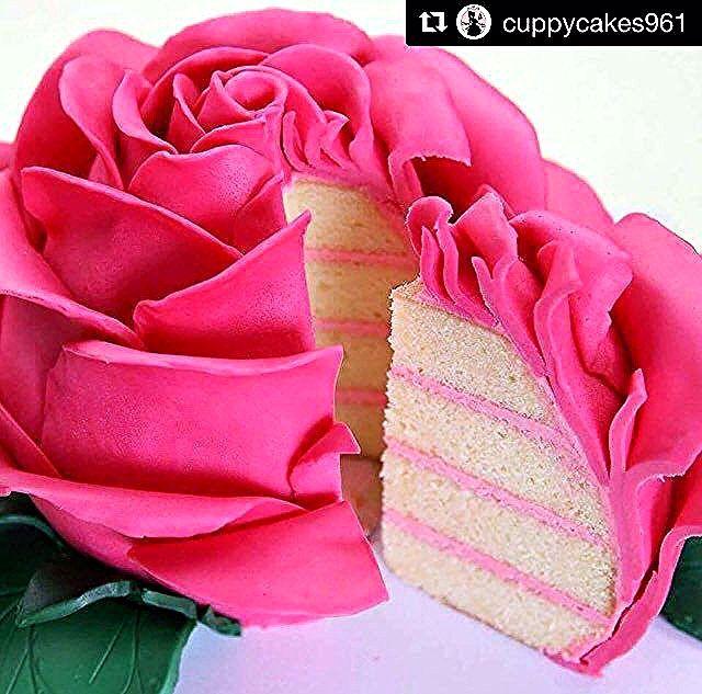 Repost Cuppycakes961 Cuppycakes961كيك السعودية نيارة الرياض فورسيزون قاعة نيارة كيك بوب الهلال النصر الرياض حف Fondant Frosting Recipe Fashion Cakes Rose Cake