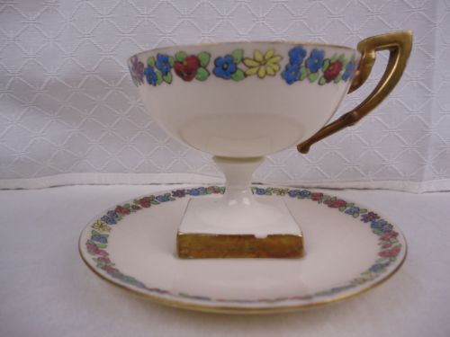 Art-Deco-Lennox-Belleek-Trophy-Pedestal-Tea-Cup-and-Saucer-Floral-Square-Base