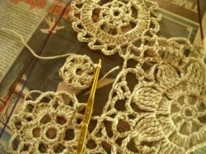 Creating a pattern and joining crochet motifs with free-form crochet.