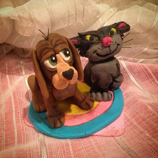 """I've made lusifer and bruno from cinderella - made with sugarpaste #handmade #disney #disigncake #temakake #bruno#doglover  #cinderella #sotesaker…"""