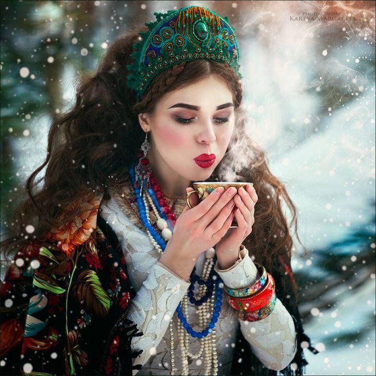 """Margarita Kareva is a Russia-based photographer who specializes in fantasy art photography """"Bonjour Margarita! J'ai vu cette photo sur G+. La Beauté de cette Femme me séduit beaucoup!"""""""
