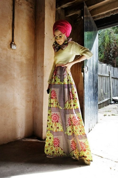 """Loving the sweater and long skirt combo, and the hijab is pretty darling too."" The printed skirt is absolutely gorgeous!"