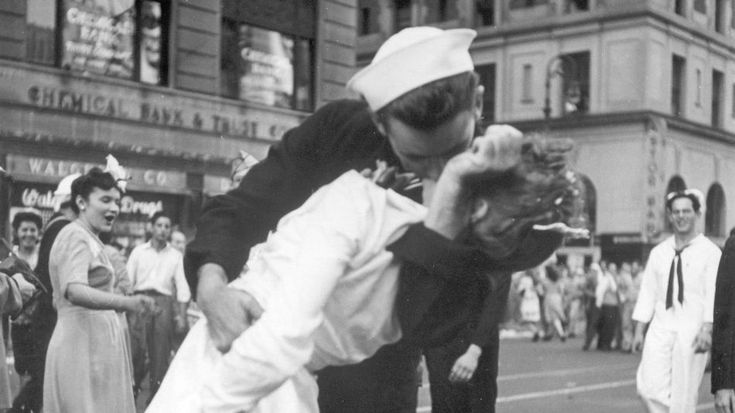 Greta Friedman, woman in iconic Times Square kiss photograph, dies at 92: A sailor and a nurse kiss in Manhattan's Times Square, as New York City celebrates the end of World War II.