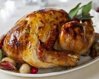 Dinde farcie facile pour Noël : http://www.fourchette-et-bikini.fr/recettes/recettes-minceur/dinde-farcie-facile-pour-noel.html