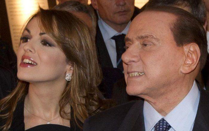 #Matrimoni, #potere e #politica: Francesca De Pascale si farà sposare da Berlusconi.