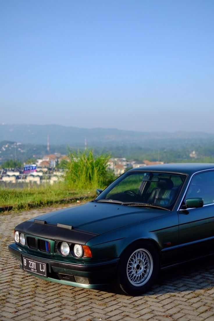 BMW E34 530i V8 M60B30 Lagoon Green