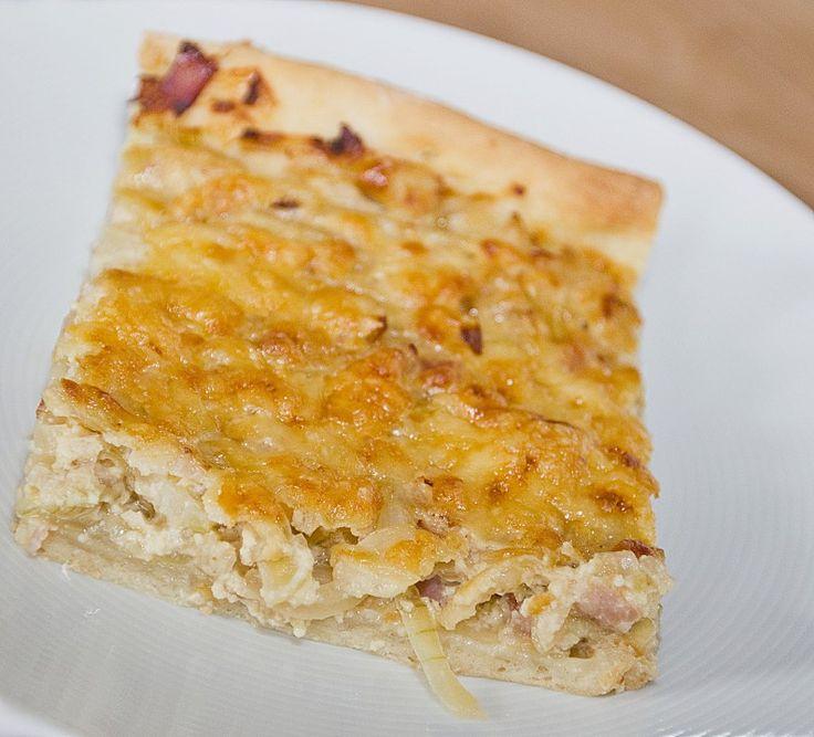 Einfacher Zwiebelkuchen, ein leckeres Rezept aus der Kategorie Backen. Bewertungen: 302. Durchschnitt: Ø 4,5.
