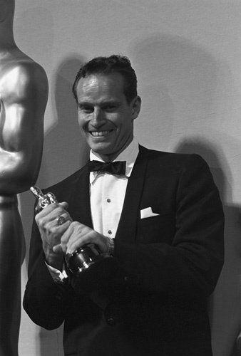 8/16/14  9:02p  The 32nd Annual Academy Awards  1960:   Charlton Heston   Best Actor Oscar  for ''Ben-Hur'' 1959