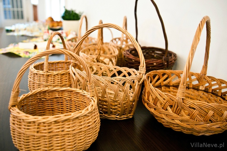Preparation of Easter baskets    #easter #tradition #easterbasket #polishtradition #bieszczady #ustrzykidolne #ustrzyki