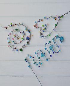 Blumenstecker aus Draht und Perlen selber machen   – Perlen