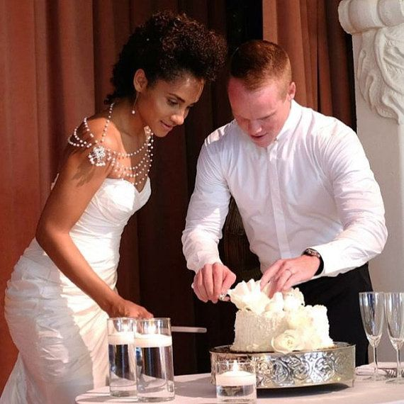 Parel sieraden bruiloft, jurk bruiloft jurk schouder, bruiloft accessoire, bruids Epaulettes, bruiloft accessoire, bruids toebehoren Uw producten worden gepresenteerd in een fijn verpakt geschenkbox. Uw pakket wordt toegestuurd met snelle levering lading optie in drie dagen na betaling. Aarzel niet om contact met mij op voor vragen of verzoeken, ik zou erg blij zijn om te helpen voor elke vorm van probleem. Dank u voor uw interesse https://www.etsy.com/shop/ADbrdal?ref&#x3...