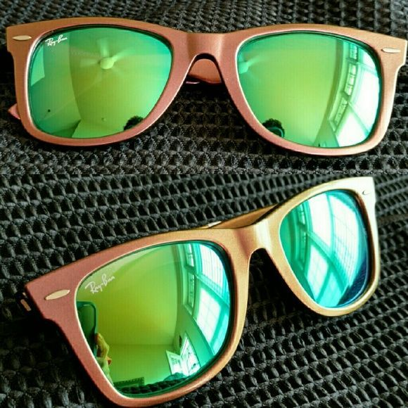 Ray-Ban Wayfarer Cosmo Collection Jupiter Brand new Ray-Ban wayfarers with iridescent frames and green mirrored lenses. These do not come with a Ray-Ban case but I will ship them in a brand new microfiber pouch case. Ray-Ban Accessories Sunglasses
