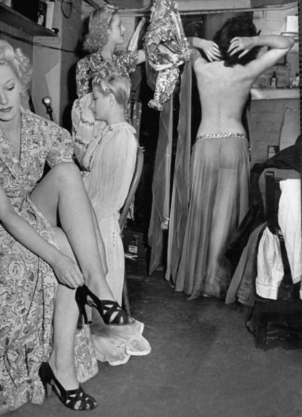 1940 London at War - Windmill Theatre